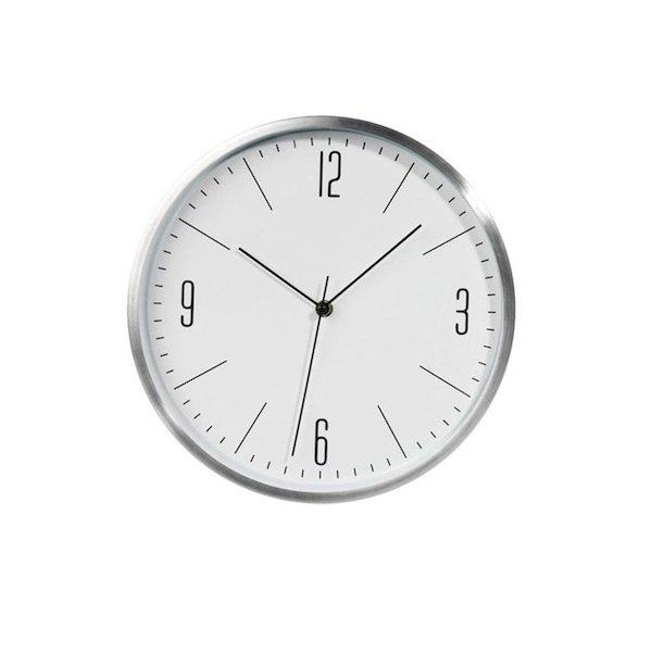 Đồng hồ treo tường hiện đại mang lại điểm nhấn cho không gian nhà bạn