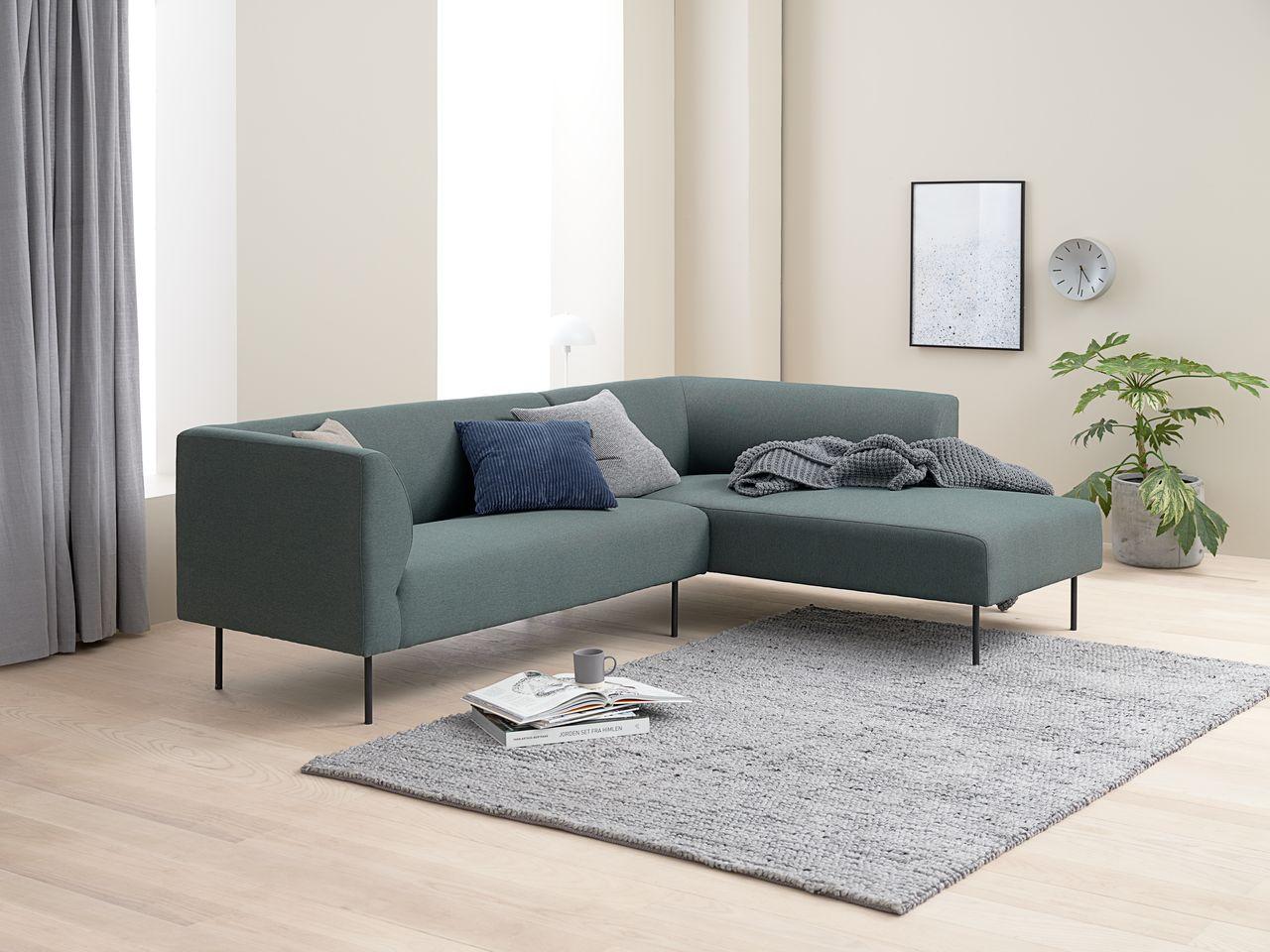 Ghế sofa góc KARE đệm bọc vải polyester, xanh lá đậm/ chân sắt sơn đen, R230xC74xS76/169cm