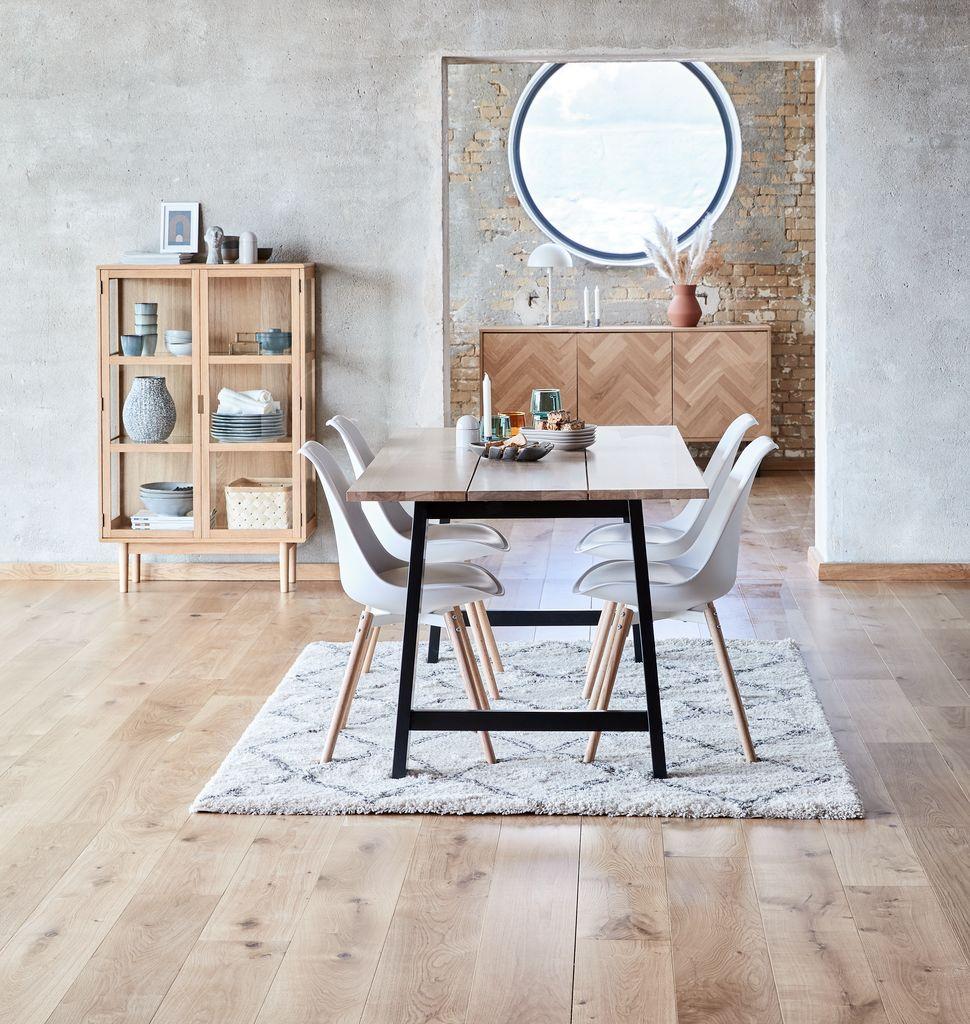 Nội thất phòng bếp với sàn bếp và đồ dùng nhà bếp chất liệu gỗ công nghiệp tinh tế, hiện đại