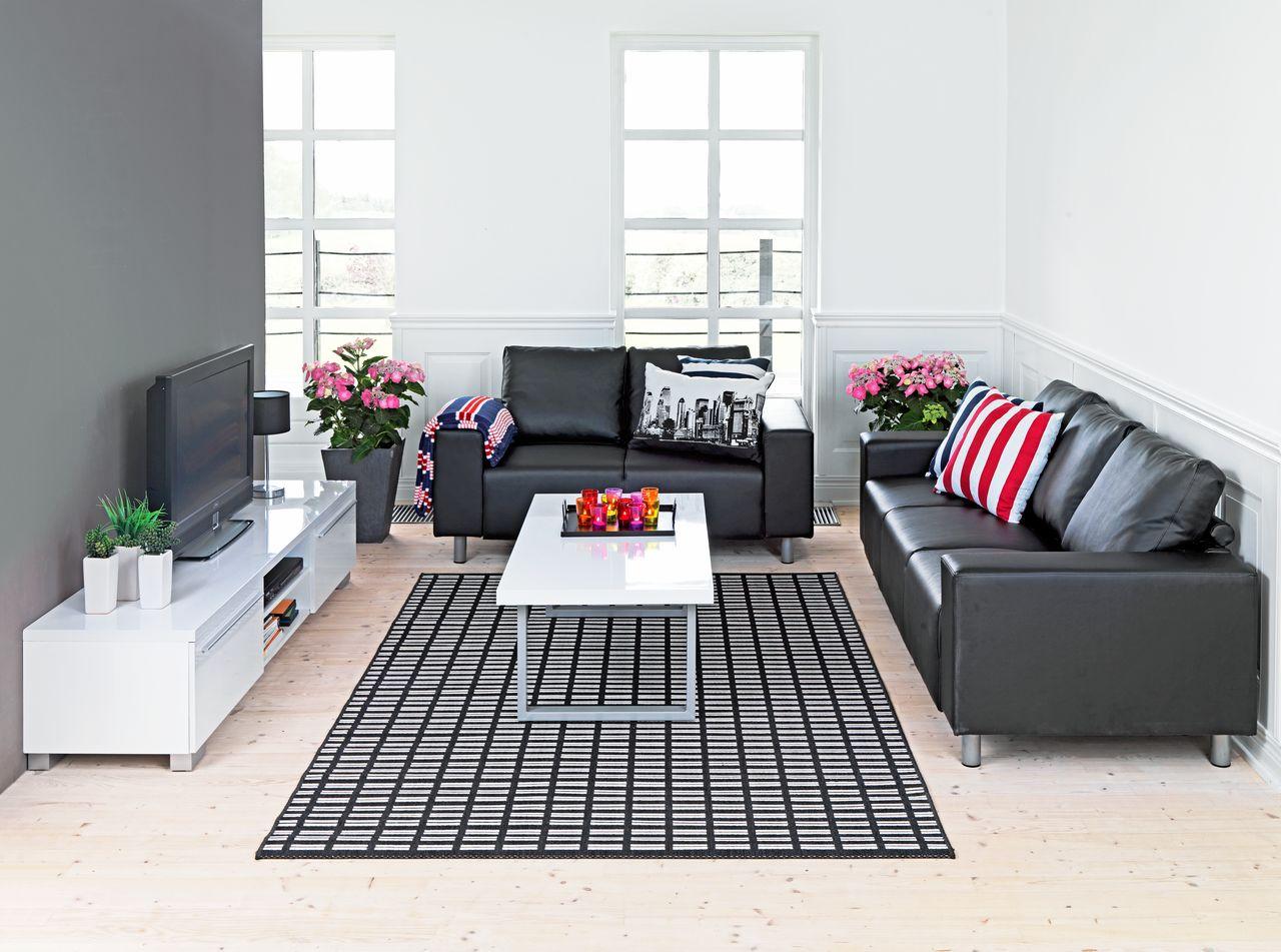 Kệ tivi - Đồ trang trí gia đình giúp tận dụng diện tích sinh hoạt phòng khách tối ưu