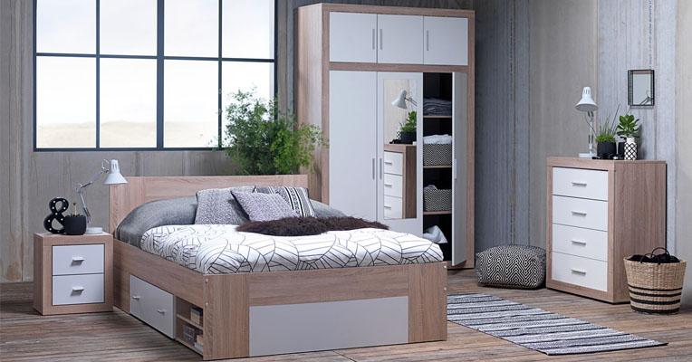 Với diện tích nhỏ nhưng vẫn đầy đủ tiện nghi với các loại nội thất phòng ngủ thông minh như tủ quần áo kết hợp gương soi, giường đa năng có ngăn kéo.