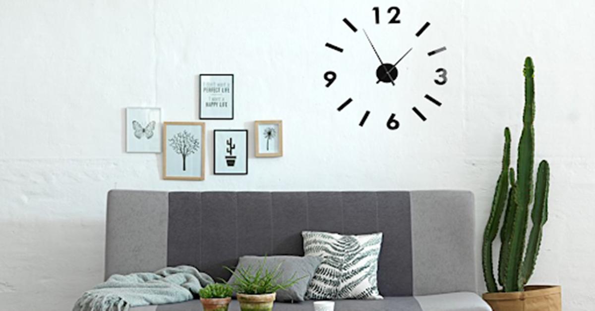 Đồng hồ treo tường là đồ trang trí decor phòng khách đẹp mắt, hiện đại